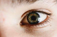Dziedziczna neuropatia nerwów wzrokowych Lebera